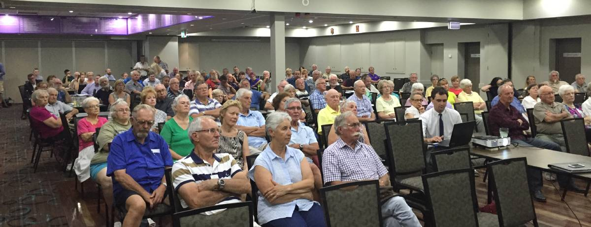 CAPTIVE AUDIENCE: About 100 residents turned out for the community forum to discuss the proposed council merger. Picture: Sam Norris